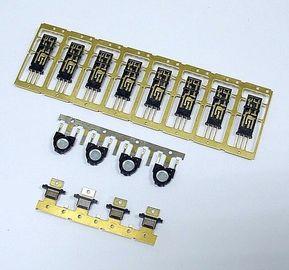 El plástico con el metal inserta las piezas Overmold del moldeo por inyección del conector