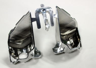 Piezas automotrices de proceso secundarias del moldeo por inyección que platean, 2 cavidades con la puerta lateral